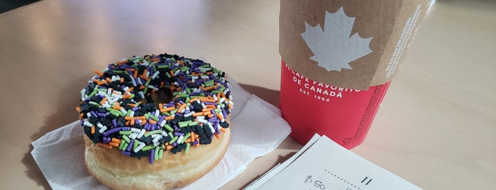 Tim Hortons is one of Ismaelさんのお気に入りスポット.