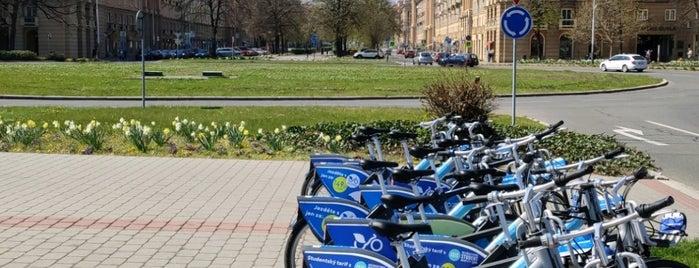 Cyklostojan Hlavní třída - rondl is one of Cyklostojany Ostrava.