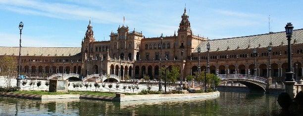 Plaza de España is one of Cosas que ver en Sevilla.