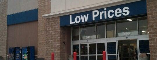 Walmart Supercenter is one of Locais curtidos por Dana.