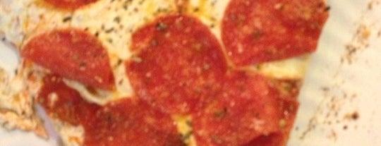 Joe's Pizza is one of Tempat yang Disukai Shawntini.