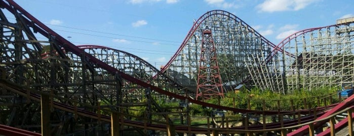Six Flags Over Texas is one of The Most Popular Theme Parks in U.S..