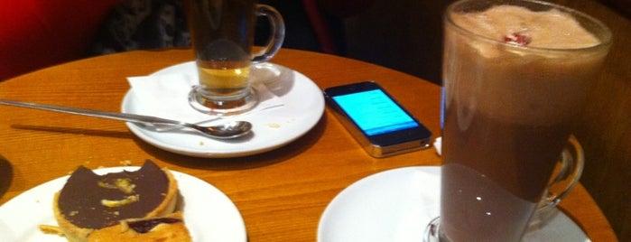 Costa Coffee is one of สถานที่ที่ Will ถูกใจ.
