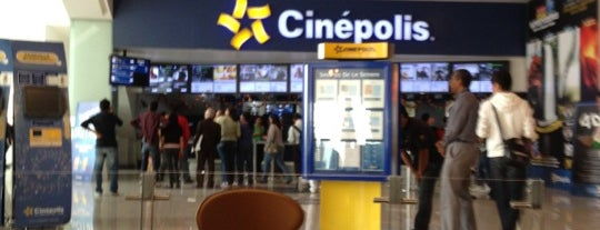 Cinépolis is one of Lugares favoritos de Julio.