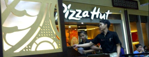 Pizza Hut is one of Pizza Places ( Pizzaiolo Badge ).
