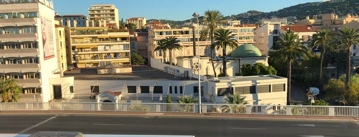 Okko Hotels Cannes Centre is one of Encounter cont'd.