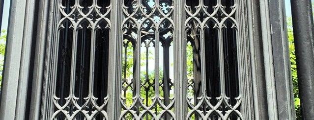 Hollywood Cemetery is one of Mugel Wedding.
