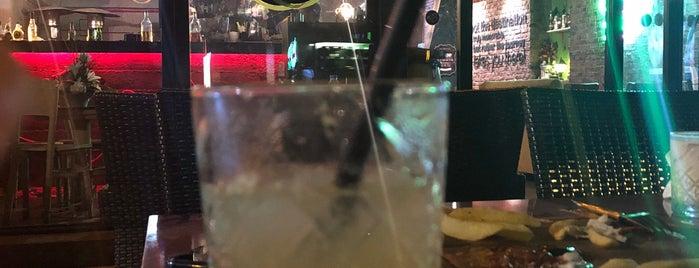 Mr.B Cocktail Bar & Bistro is one of IŞIK 🌝🌚'ın Beğendiği Mekanlar.