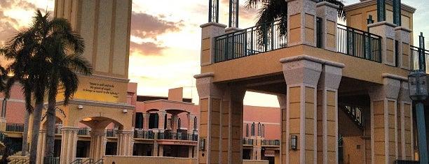 Mizner Park Amphitheater is one of Planes Miami.