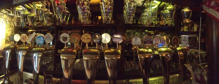 Irish Pub is one of √ Best Cafès & Bars in Genova.