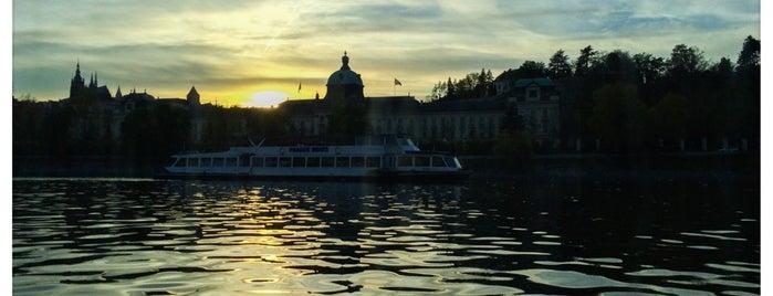 Florentina Boat is one of PRAG ist schön.