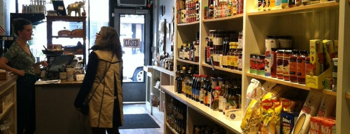 Court Street Grocers is one of cobble hill 4 dan.