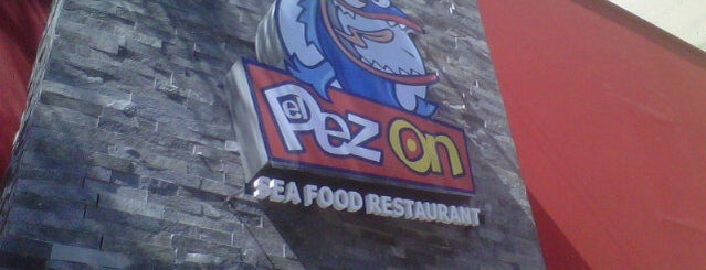 "El Pez On is one of Restaurantes ""Info Lllama""."