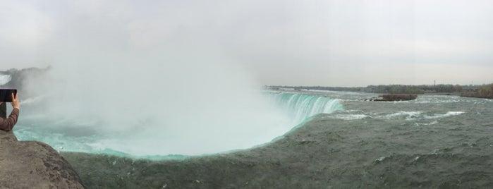 Niagara Falls State Park is one of Locais curtidos por Brandon.