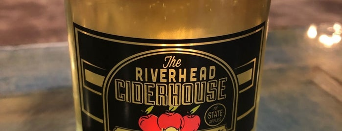 The Riverhead Ciderhouse is one of Locais curtidos por kevin.