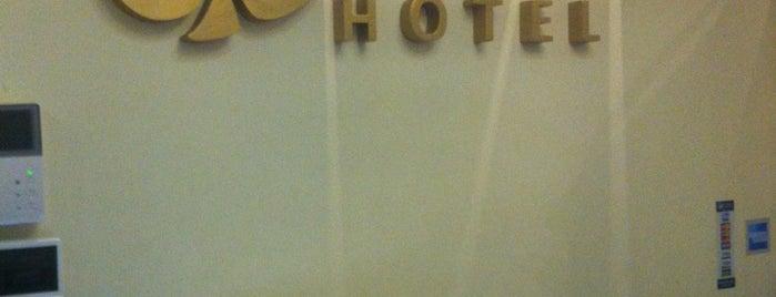 Roses Hotel is one of Lieux qui ont plu à Ася.