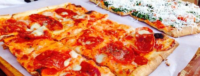 Pizza XXL is one of Posti che sono piaciuti a Danny.