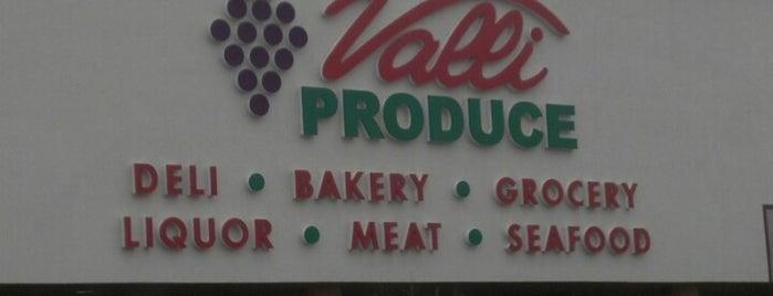 Valli Produce is one of Orte, die Matt gefallen.