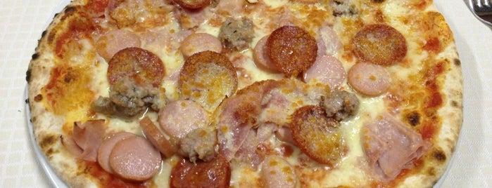 Pizzeria Ai Glicini is one of Lugares favoritos de Francesco.
