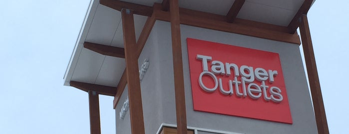 Outlet Mall is one of Nargesv 님이 좋아한 장소.