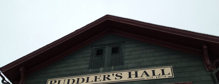 Puddler's Hall is one of Tempat yang Disukai Jamie.