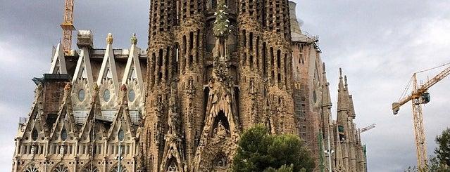 사그라다 파밀리아 is one of Barcelona's Top 5 Picnic Spots.