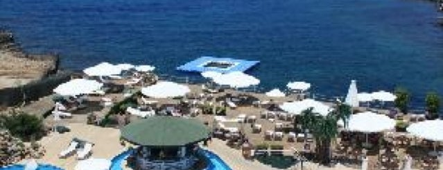 Rocks Hotel Pool Bar & Restaurant is one of Cyprus - Nicosia & Kyrenia♥.