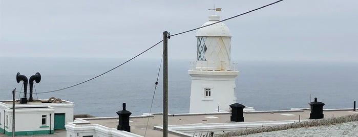 Pendeen Lighthouse is one of Tupshole.
