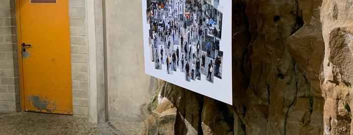 Ascenseur Grund is one of Orte, die Azeem gefallen.