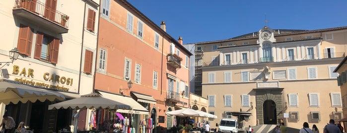 Palazzo Pontificio is one of Orte, die Can gefallen.