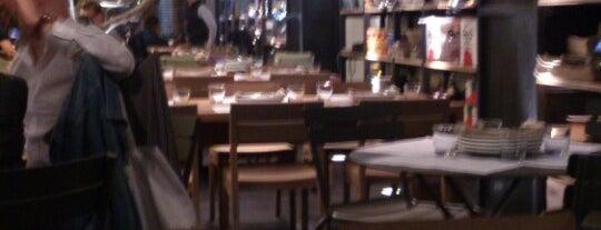 Cuines is one of Restaurantes en el DF.