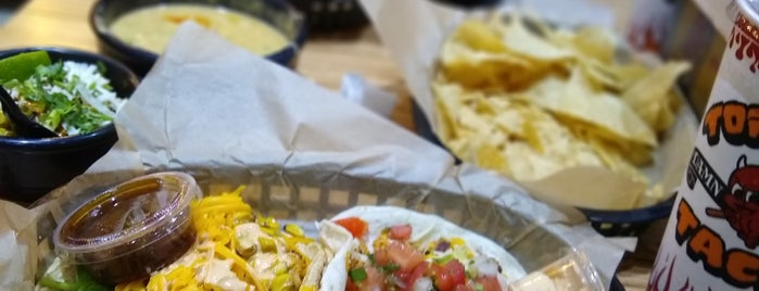 Torchy's Tacos is one of Naveen 님이 저장한 장소.