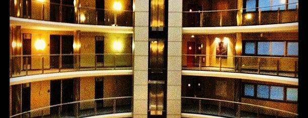 Hotel Attica 21 Coruña is one of Lieux qui ont plu à Feliciano.