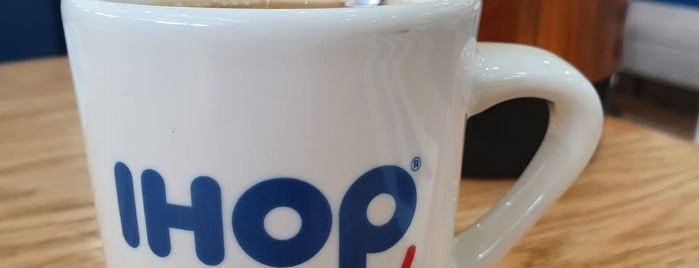 iHop is one of Lugares favoritos de Luis Felipe.