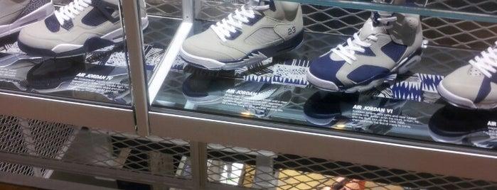 Nike WHM WDC 2013 is one of Jhoana: сохраненные места.