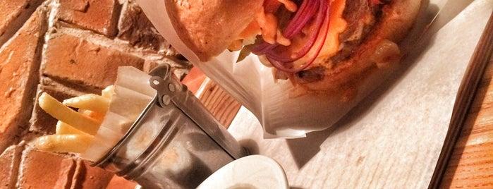 True Burger Bar is one of Lieux qui ont plu à Bilbo Cafe.