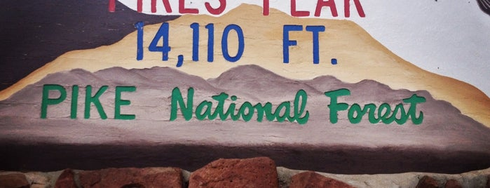 Pikes Peak is one of US Landmarks.