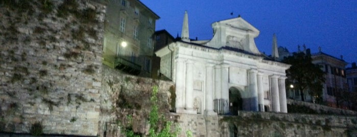 Porta San Giacomo is one of Charlotte's hen weekend in Bergamo.