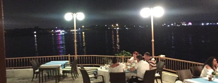 Moonlight Restaurant is one of Futter.
