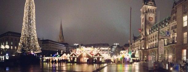 Weihnachtsmarkt Rathausmarkt is one of Allemagne ♥︎.