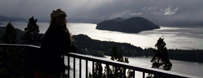 San Carlos de Bariloche is one of Lugares favoritos de Dani.