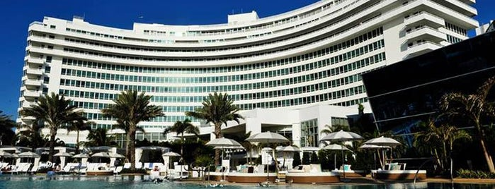 Fontainebleau Miami Beach is one of Corey'in Beğendiği Mekanlar.