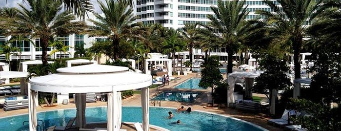Fontainebleau Miami Beach is one of USA #4sq365us.