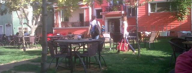 Garden City is one of Lieux sauvegardés par Yasemin Arzu.