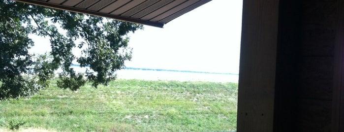 Keys On The Lake is one of Tempat yang Disukai Mohrah.