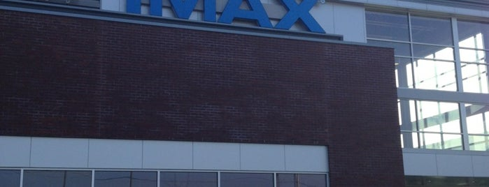 Penn Cinema & IMAX is one of Tempat yang Disukai Chrissy.