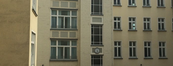 CALMA Berlin Mitte is one of Jessica 님이 좋아한 장소.