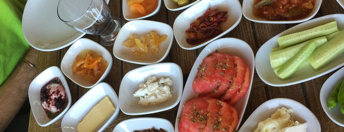 Turkuaz Cafe is one of Tempat yang Disukai Eda.