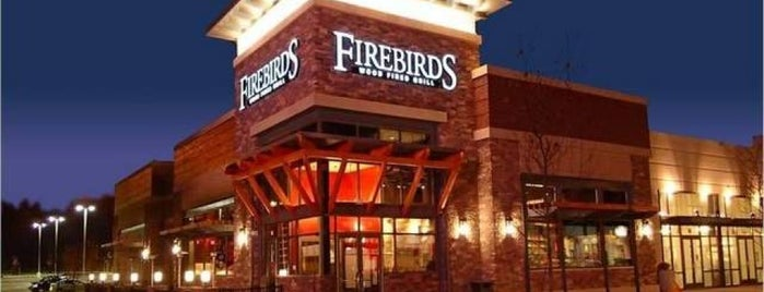 Firebirds Wood Fired Grill is one of Posti che sono piaciuti a Damien.