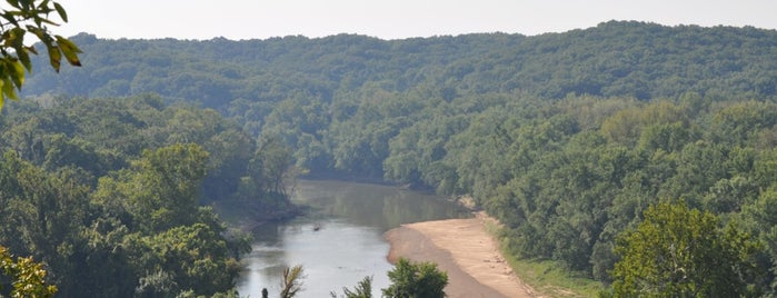 Castlewood State Park is one of Locais curtidos por Jonathan.